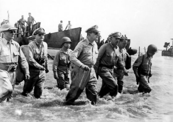 General Douglas MacArthur Wades Ashore During Initial Landings at Leyte, 1944 Print/Poster (5151)